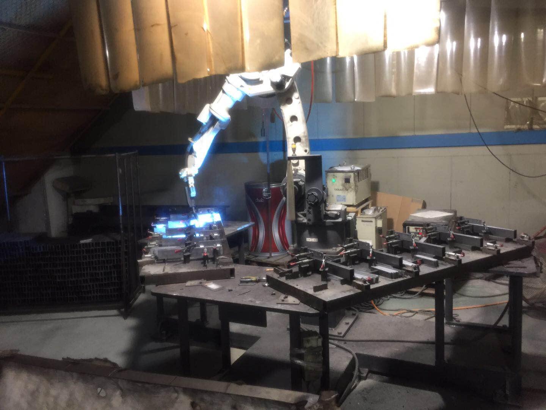 robot welding chic display